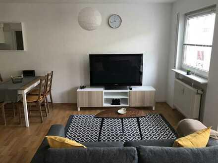 sehr schöne, neu renovierte, vollständig neuwertig möblierte Wohnung mit TG-Stellplatz und Keller