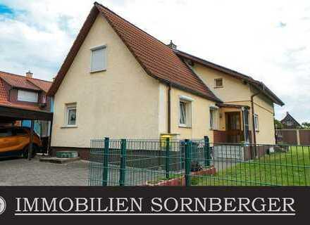 Freistehendes Einfamilienhaus auf großem Erbpacht-Grundstück mit Garagen & Carports