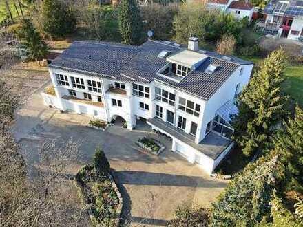 Repräsentatives Wohn- und Büro-/Gewerbeanwesen mit ca. 1150 qm, (Wohnen + Arbeiten unter einem Dach)