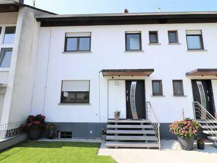 Moderne trifft auf ländliche Idylle – Neu sanierte Doppelhaushälfte mit Panoramablick in Nordheim