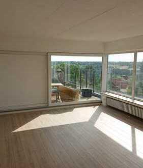 Erstbezug nach Sanierung: attraktive 4-Zimmer-Wohnung mit EBK, Terrasse und Wintergarten in Bonn