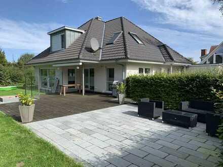 --- Einfamilienhaus / Villa in Harrislee ---