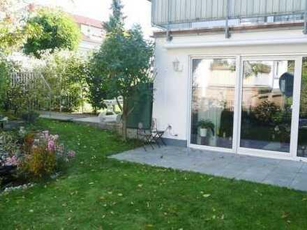 Schönes Haus mit fünf Zimmern in Frankfurt am Main, Praunheim