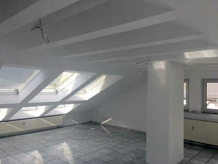 4-Zimmer-Maisonette-Wohnung mit Küche und Blick über Hanau, Großauheim