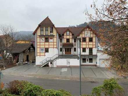 Schöne geräumige 2,5 - Zimmer-Wohnung zur Miete in Lauda-Königshofen OT Marbach