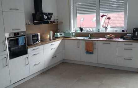 Moderne 5-Zimmer-Wohnung mit Einbauküche in Merklingen