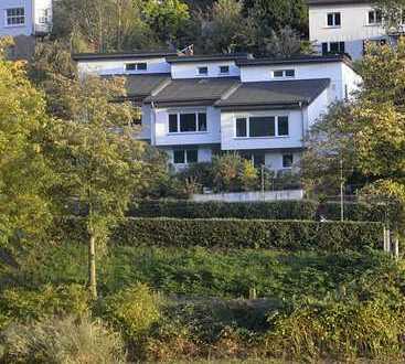 EFH mit Neckarblick - Erstbezug nach Sanierung - 6 Zimmer, EBK, 2 Bäder, Garten - sofort frei