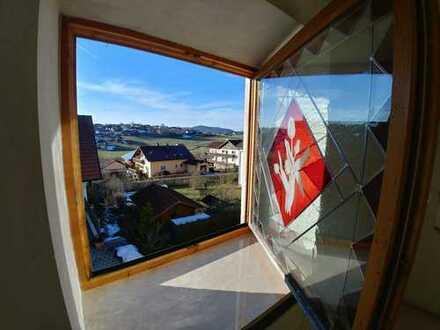Erstbezug nach Sanierung mit Balkon: preiswerte 3-Zimmer-Wohnung in Eschlkam