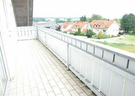 WOHNWELT IMMOBILIEN: Charmante Galerie Wohnung mit 2 Balkone in ruhiger Lage