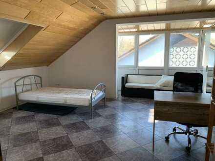 Großzügige DG-Wohnung mit vielen Optionen und großem Balkon