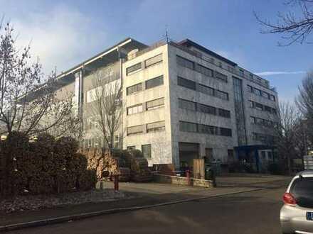 Lagerhalle / Montagehalle / Gewerberäume in Nürtingen