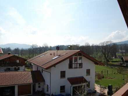 Waakirchen - Hauserdörfl neuwertige Dachgeschosswohnung mit Top-Ausstattung