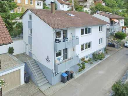 Sehr gepflegtes 2-Familienhaus mit ausgebautem DG in Bad Urach
