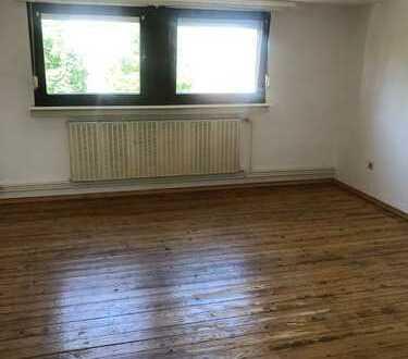 Schön geschnittene Wohnung für Holzdielen Liebhaber