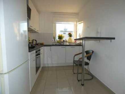 4-Zimmer-Wohnung, zentral gelegen.