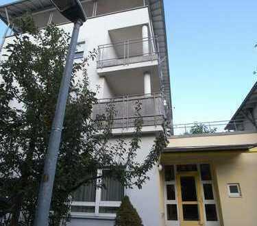 1 Zimmer Appartement mit Balkon, Einbauküche, Stellplatz
