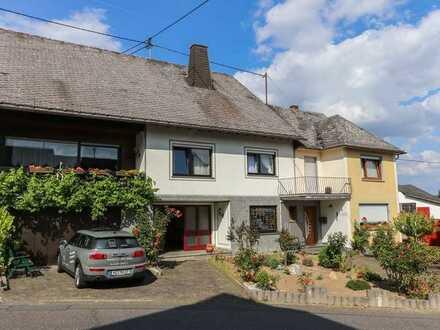 Zwei ineinandergehende Häuser. Vermietet! Für Investoren oder Eigennutzer + Vermietung geeignet!