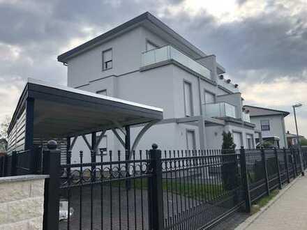 Schöne Doppelhaushälfte in ruhiger Lage mit fünf Zimmern in Berlin, Kaulsdorf