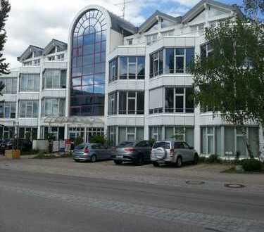 288 m² repräsentatives Büro mit Lastenaufzug 5 Autominuten von der Messe Riem.
