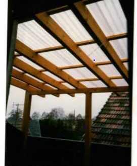 Gepflegte 1,5-Zimmer-Dachgeschosswohnung mit Balkon und EBK in Rödental