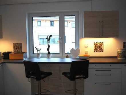 Ein besonderes Wohnangebot: Moderne, helle und sehr gepflegte Balkonwohnung in guter Wohnlage!