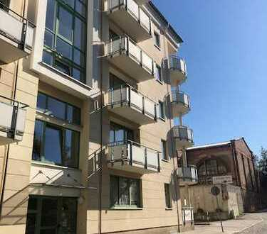 Südstadt, 2 Zi.mit 2 Balkonen,Fahrstuhl,eig. Tiefgaragenplatz