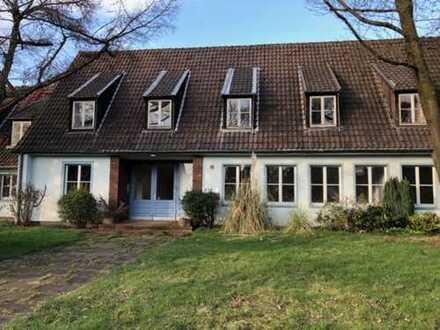 Geschichtsträchtig und Individuell - ehemaliges Jugendheim mit viel Platz und großem Grundstück