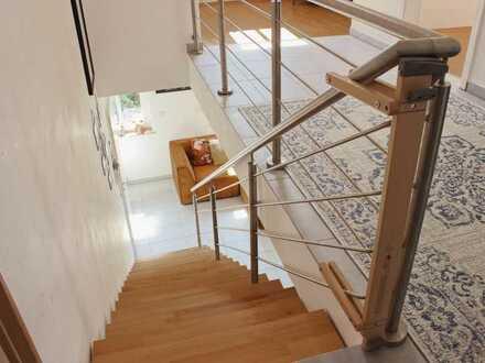 Gernsheim: 5-Zimmer-Maisonette-Wohnung mit 2 Balkons und EBK
