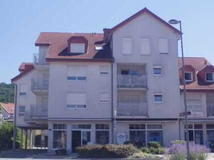 Kapitalanlage! Attraktive 2-Zimmer-Wohnung für Senioren mit Balkon und Einbauküche in Nußloch