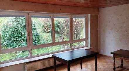Wohnung mit Gartenteil sofort frei in Halbhöhenlage - plus Doppelgarage zusätzlich zu verkaufen.