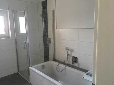 Erstbezug mit Einbauküche und Balkon: günstige 3-Zimmer-Wohnung in Heustreu