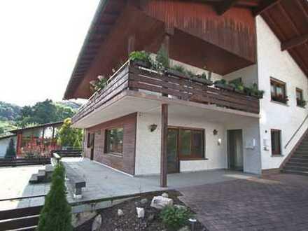 +++ Erdgeschosswohnung mit großer Terrasse +++