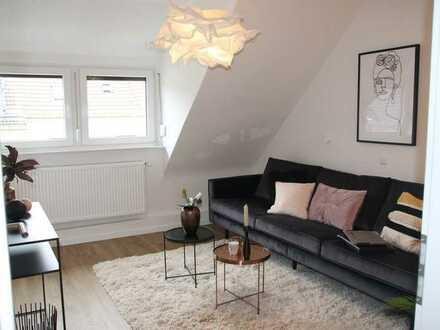 Kürzlich sanierte 3-Zimmer-Dachgeschosswohnung in Bremen mit EBK