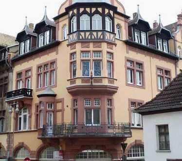Wohnen im Jugendstilhaus mit 2 Balkonen