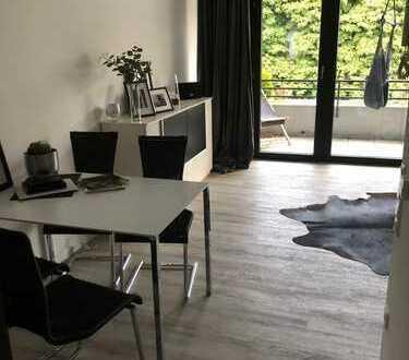 Modernisierte 2-Zimmer-Wohnung mit Balkon und Einbauküche in Detmold