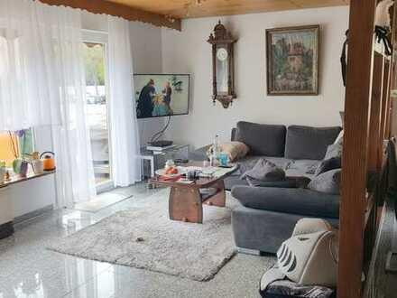 Solch eine geräumige, gepflegte Wohnung in schöner Wohnlage suchen Sie schon lange