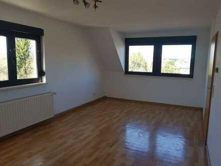 Attraktive, gepflegte 2-Zimmer-Dachgeschosswohnung zur Miete in Zweibrücken