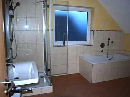 Exklusive Doppelhaushälfte mit kleinem Grten - Küchenübernahme gewünschht - ruhige Lagee