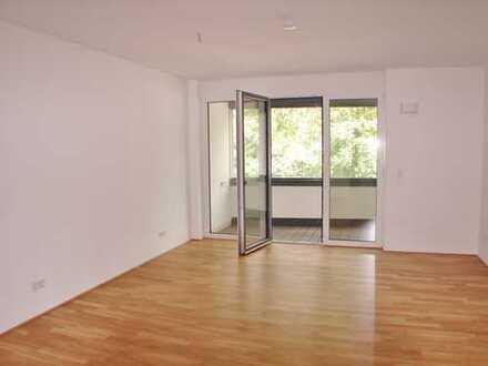 Neuwertige 1 Zimmerwohnung mit Einbauküche und Balkon