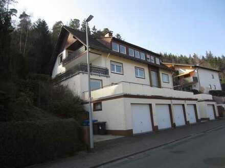 Kleine 2 Zimmer-Wohnung mit Sonnenbalkon und EBK in Bad Schwalbach