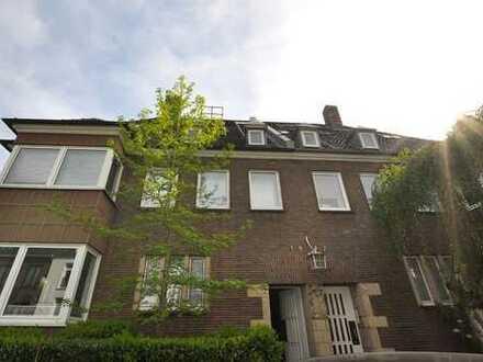 Renovierte 3-Zimmer-Wohnung mit hochwertiger Ausstattung in direkter Rheinnähe!