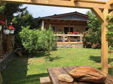 Traumhaus mit Pool, Teich, Kamin; Top-Lage in Weida