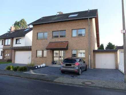 Troisdorf-Sieglar! Top modernisiertes, freist. 6-Zi-Haus, Fußbodenheizung, Terrasse, Garten, Garage