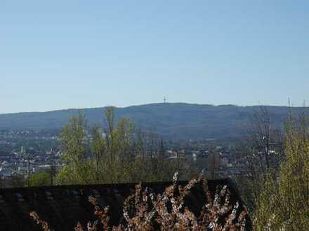 Wiesbaden - Großzügiges Haus mit 2 Bädern, 2 Stellplätzen und kleinem Garten in toller Wohnlage