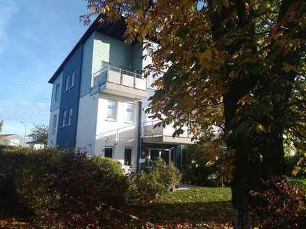 1 A Lage im Schlossgelände Butzbach, 3-Zimmer-Loft-DG mit Balkon (Kapitalanlage)
