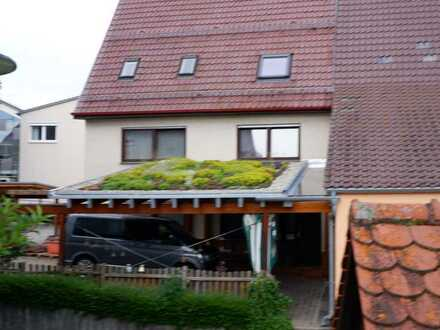 2x 3 Zimmer Wohnung in einem Haus mit 1 oder 2 Garagen in 71139 Ehningen