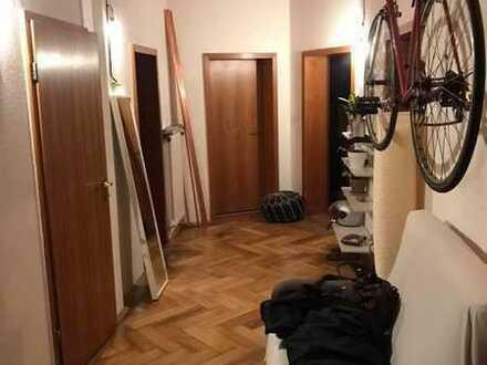 zentrales 20 qm Zimmer in 4er WG
