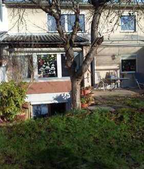 Das Haus für die ganze Familie - 6 Zimmer + Garten + Garage