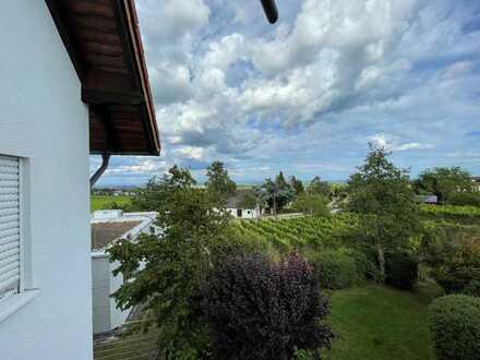 Schöne 2-Raum-Wohnung mit EBK und Balkon in Neustadt an der Weinstraße