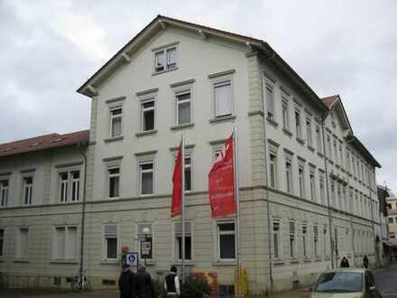 Büro - und Technikgebäude mit jährlichen Mieteinnahmen